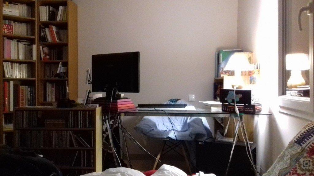 66 Mon bureau d'après Jeanne Dielman - photo perso - 2021