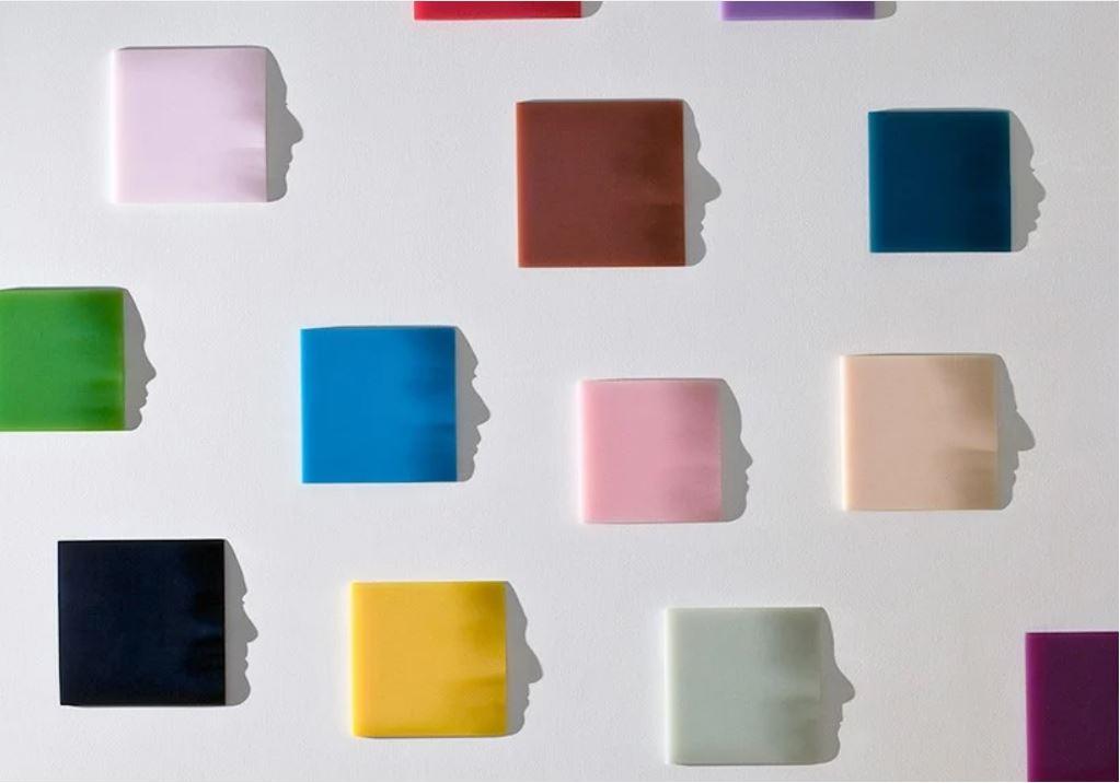124 YAMASHITA Kumi - Fragments, feuilles de papier et ombre projetée - 2009